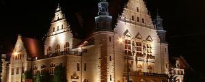 Aula Uniwersytecka i Collegium Minus - By Przykuta, CC BY-SA