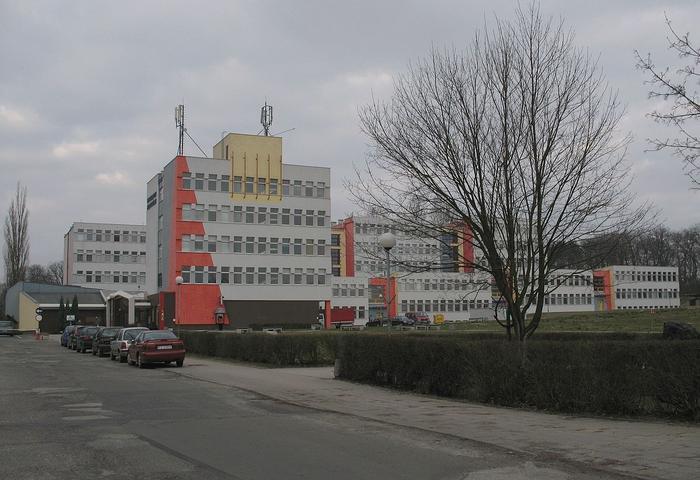Budynki Campusu B Uniwersytetu Zielonogórskieg - By Mohylek, CC BY-SA 3.0