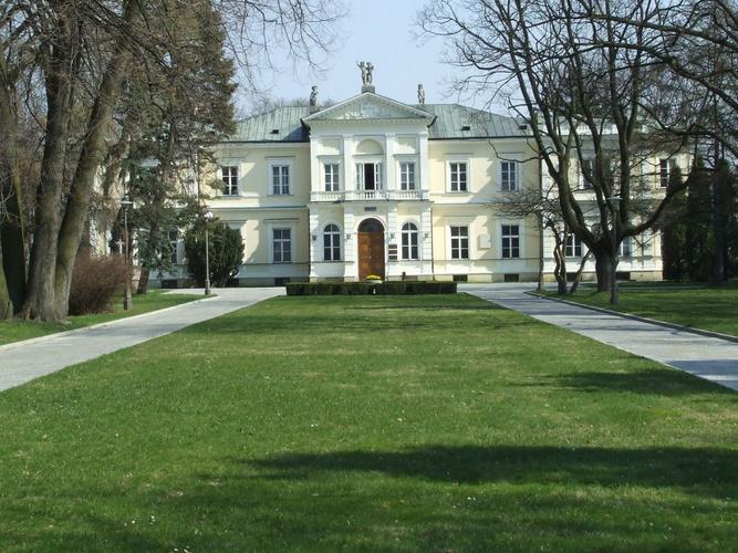 Rektorat SGGW - By Hubert Śmietanka, CC BY-SA