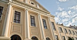 Gmach główny Uniwersytetu Przyrodniczego we Wrocławiu - By Tomasz Lewandowski, CC BY-SA 3.0
