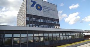 Rektorat UMK w Toruniu - By Mateuszgdynia, CC BY-SA